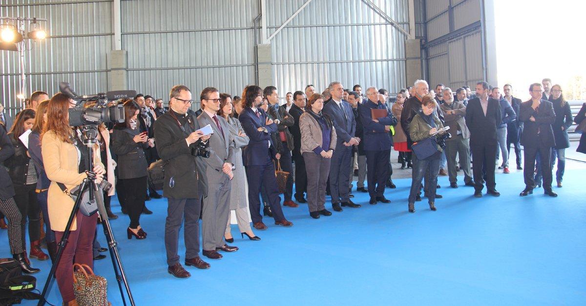 Diferentes medios de comunicación asistieron a cubrir el primer servicio de la línea de Barcelona-Bettemburgo de VIIA