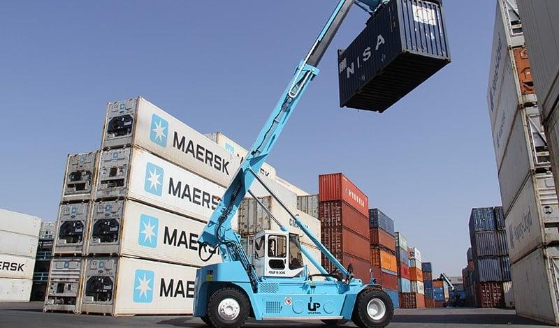 Reach stacker en el depósito de contenedores de Setemar en Quart de Poblet