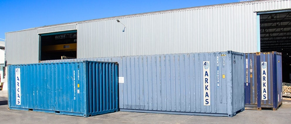Humanitarian aid has been loaded into three containers at Grupo Alonso's facilities in Quart de Poblet.