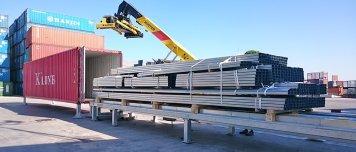Plataforma de carga y descarga automática para contenedores marítimos en Setemar.