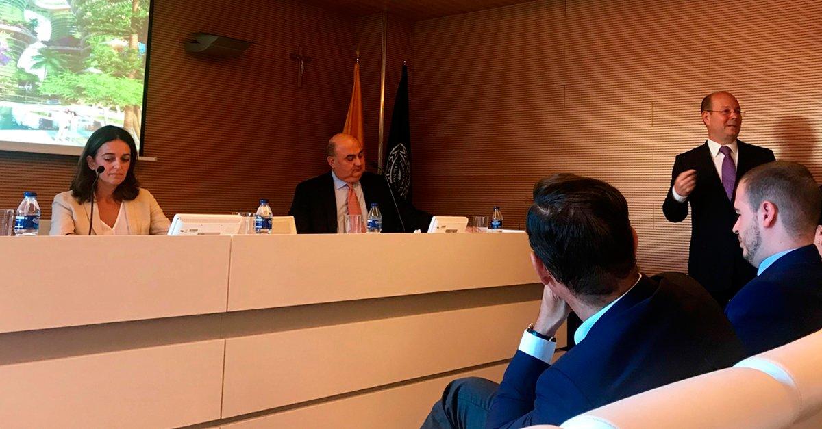 Momento de la intervención de Jorge Alonso durante la inauguración de la VI edición del máster.