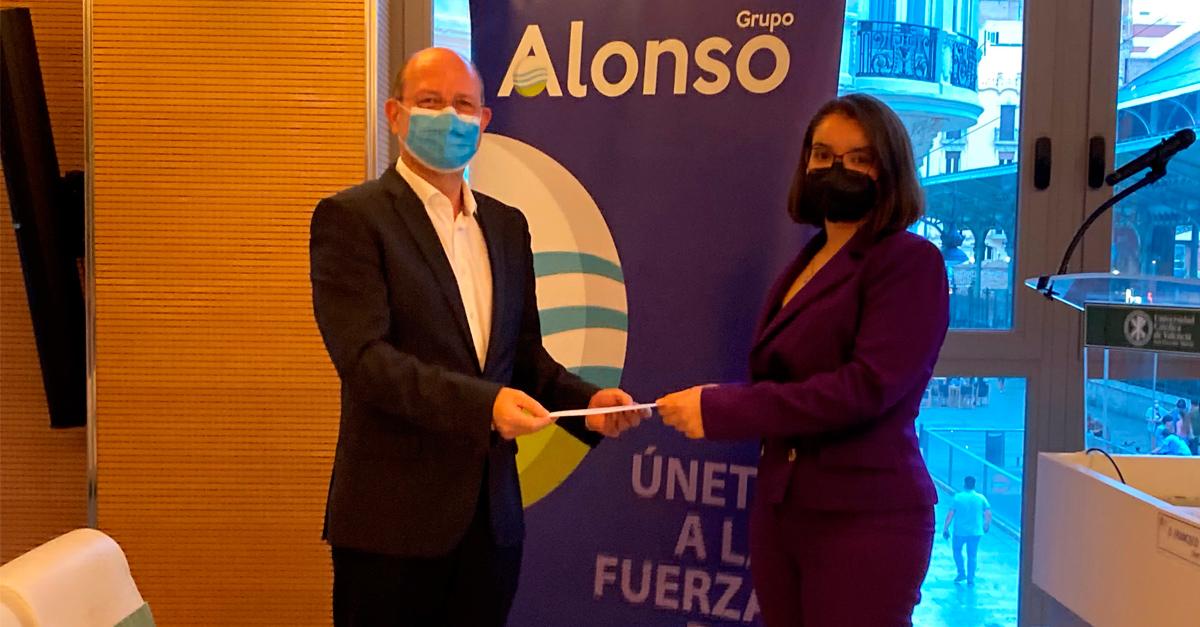 Jorge Alonso, presidente y CEO de Grupo Alonso, entrega la IV Beca Alonso