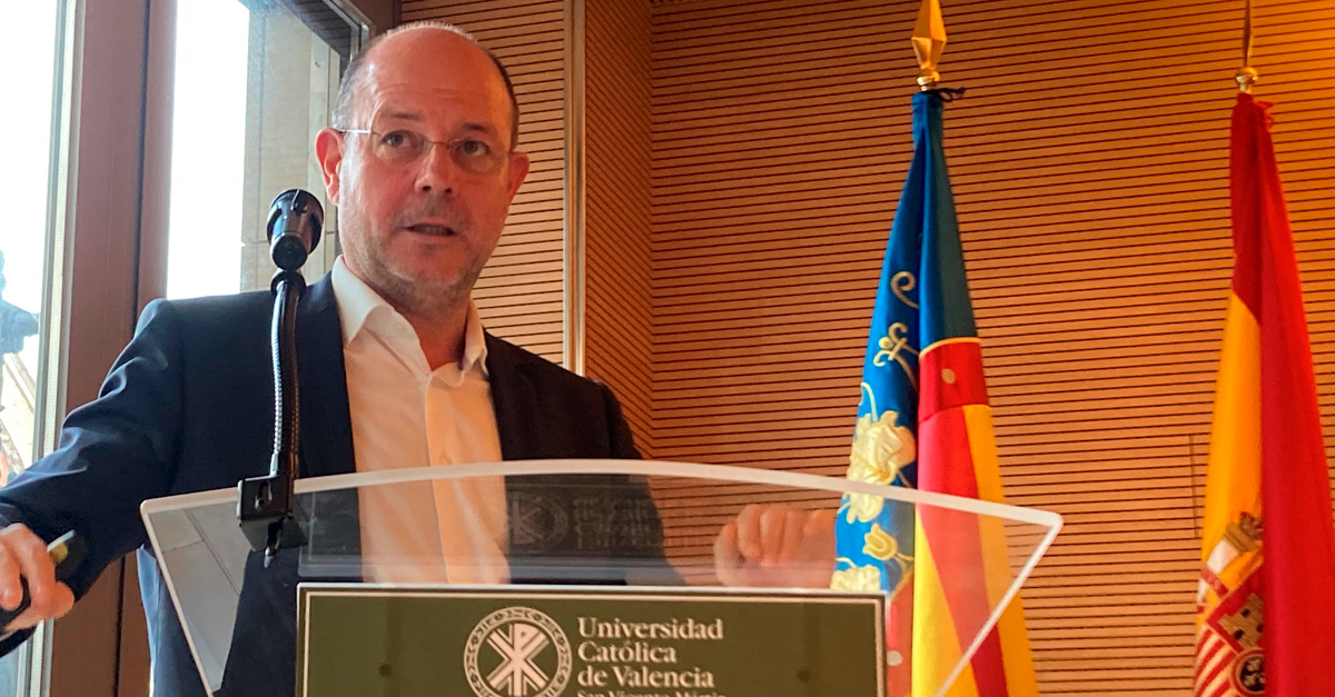 Jorge Alonso durante ponencia inaugural en la sede de la UCV